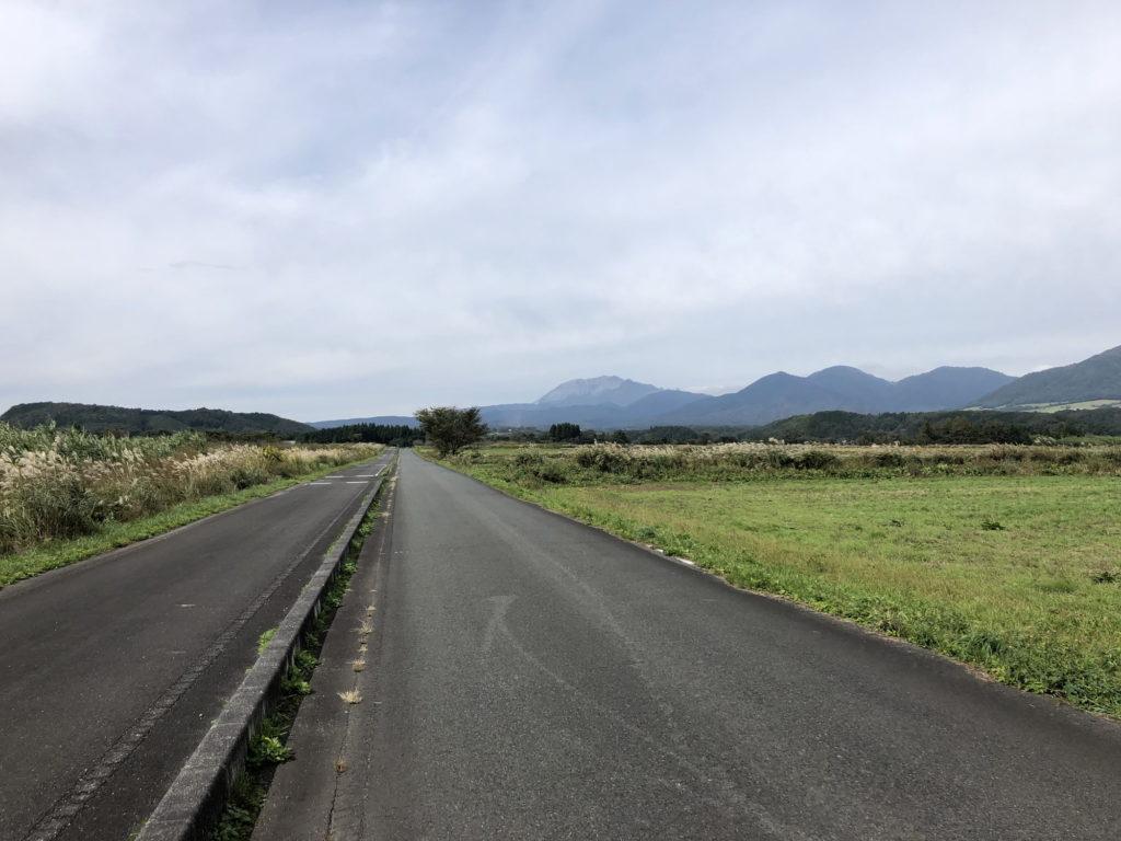 茅部野展望休憩所前の道路