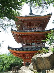 向上寺 国宝三重塔